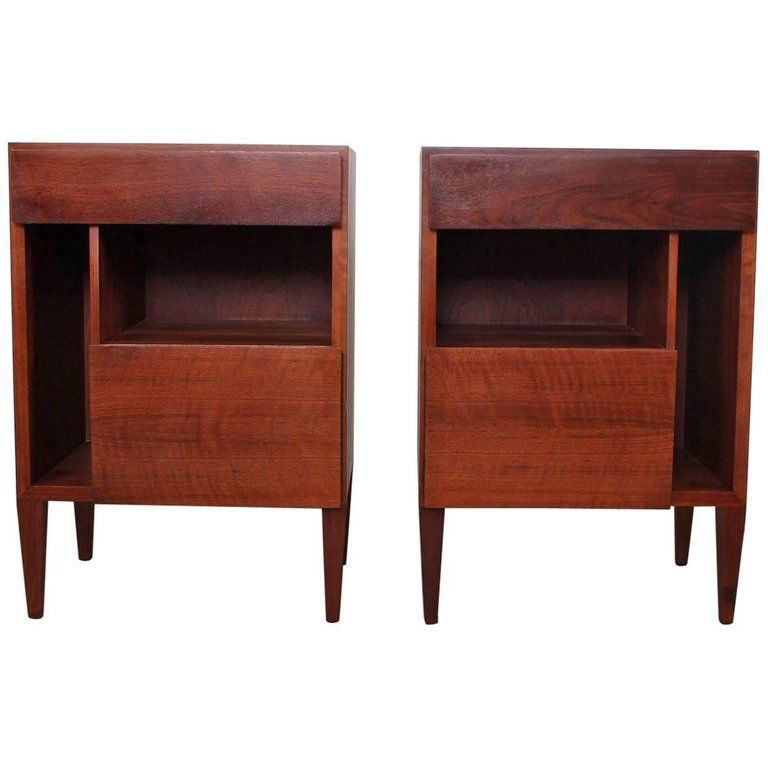 Best For Sale On 1Stdibs A Pair Of Mahogany Bedside Tables 400 x 300