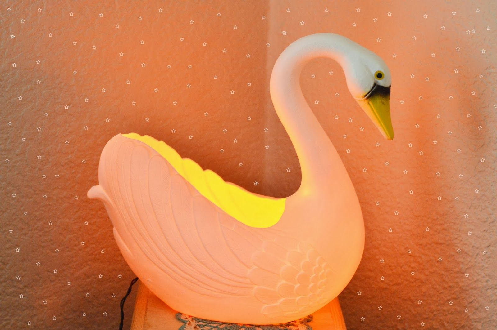 DIY: swan nightlight