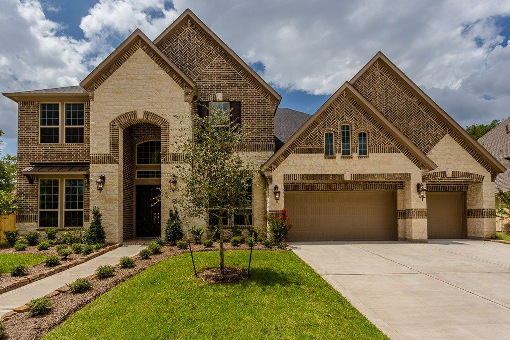 Brick And Stone Add Timeless Eal To This New Home Plan F892 Built By Trendmaker Homes The Sienna Plantation Community Missouri City Tx