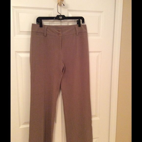 Mocha colored dress pant AB Studio stress paint. Excellent used condition. Back slit pockets. Faux slit front pockets. Polyester/rayon/spandex. AB Studio Pants Trousers