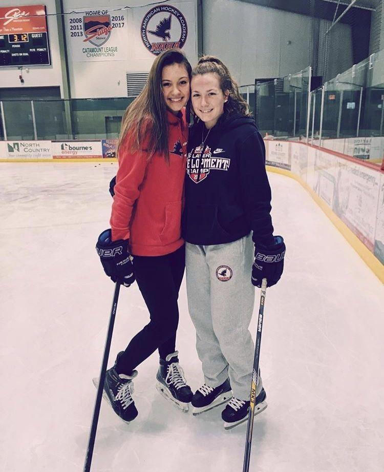 Pin By Bernadette Loia On Friends Ice Hockey Girls Hockey Girls Girls Hockey Pictures