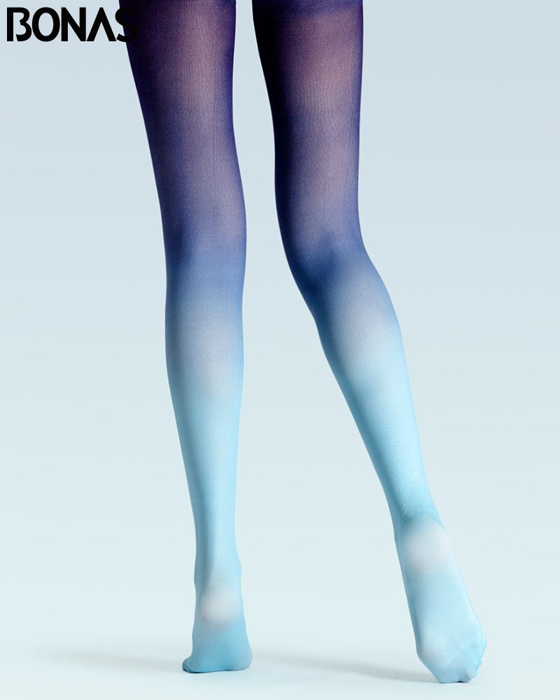 blue-patterned-pantyhose-on