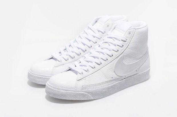 Nike Blazers Chaussures Blanches Et Noires Bout D'aile images de vente HbktR4HCPZ