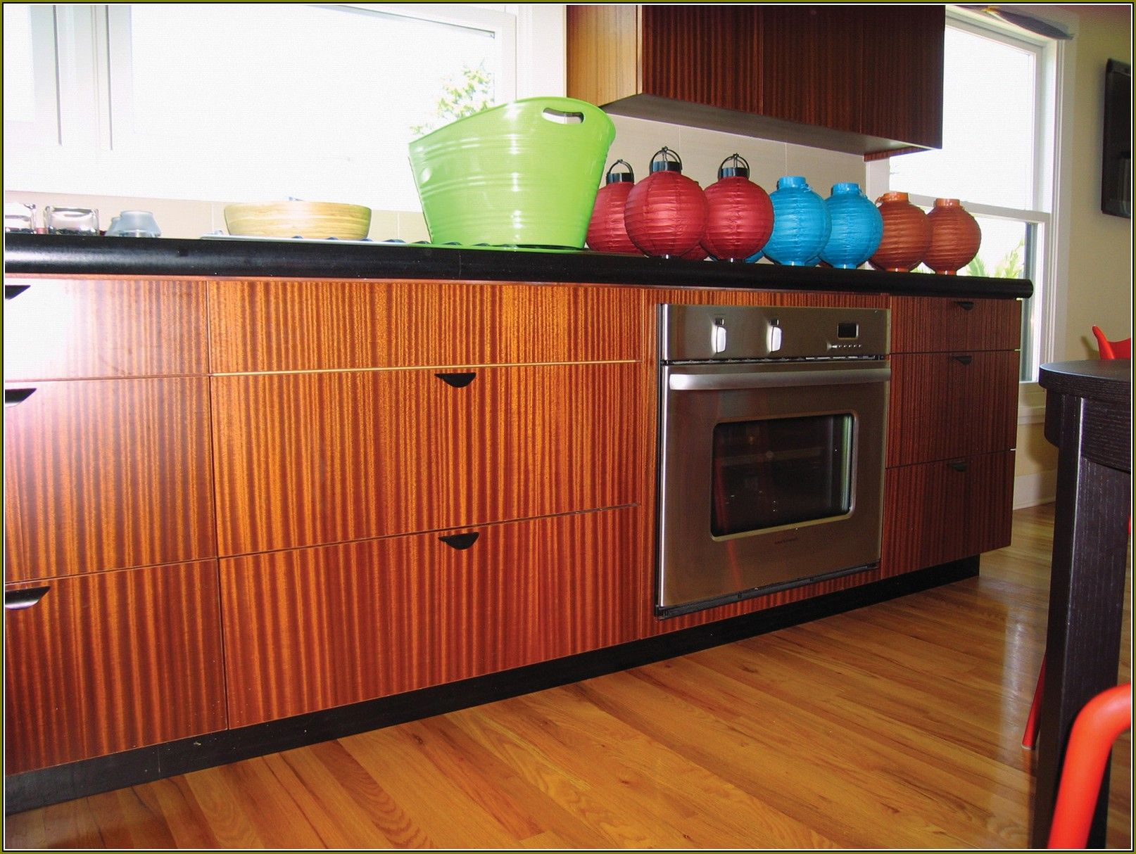 Pin By Nj Kitchens And Baths On Kitchens By Nj Kitchens And Baths Mahogany Kitchen Kitchen Design Modern Kitchen Design