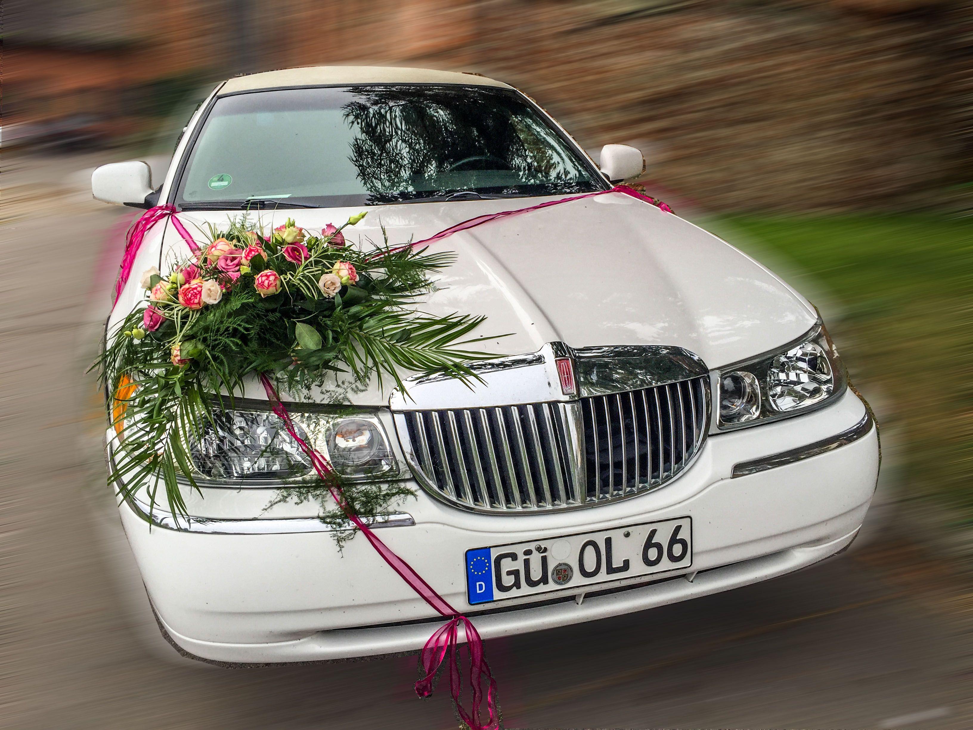Blumengeteck Hochzeit Gustrow Motorhaube Blumen Auf Stretchlimousine