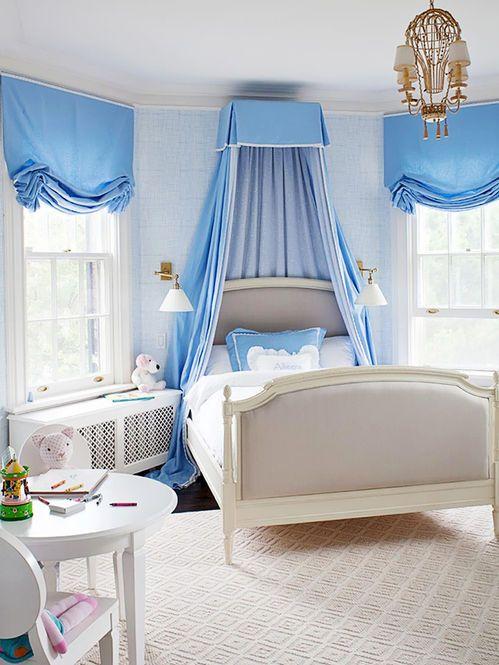 Quarto feminino no tom azul Designer: Anne Hepfer