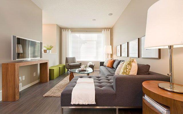 Cómo decorar el salón con un sofá chaiselongue - Decofilia.com