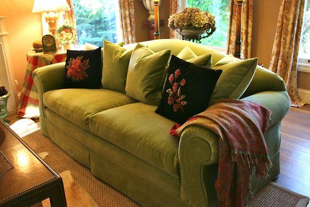 Green Velvet Sofa Living Room Ideas: Gorgeous Apple Green Sofa Vignette Design