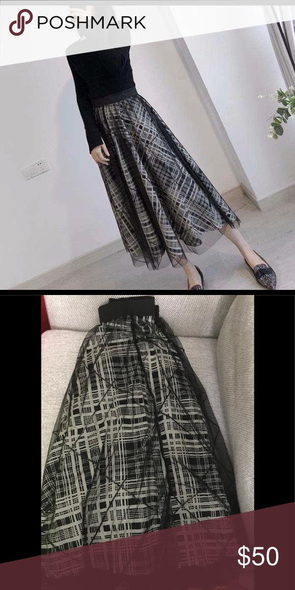 Embellished tulle Black skirt  S