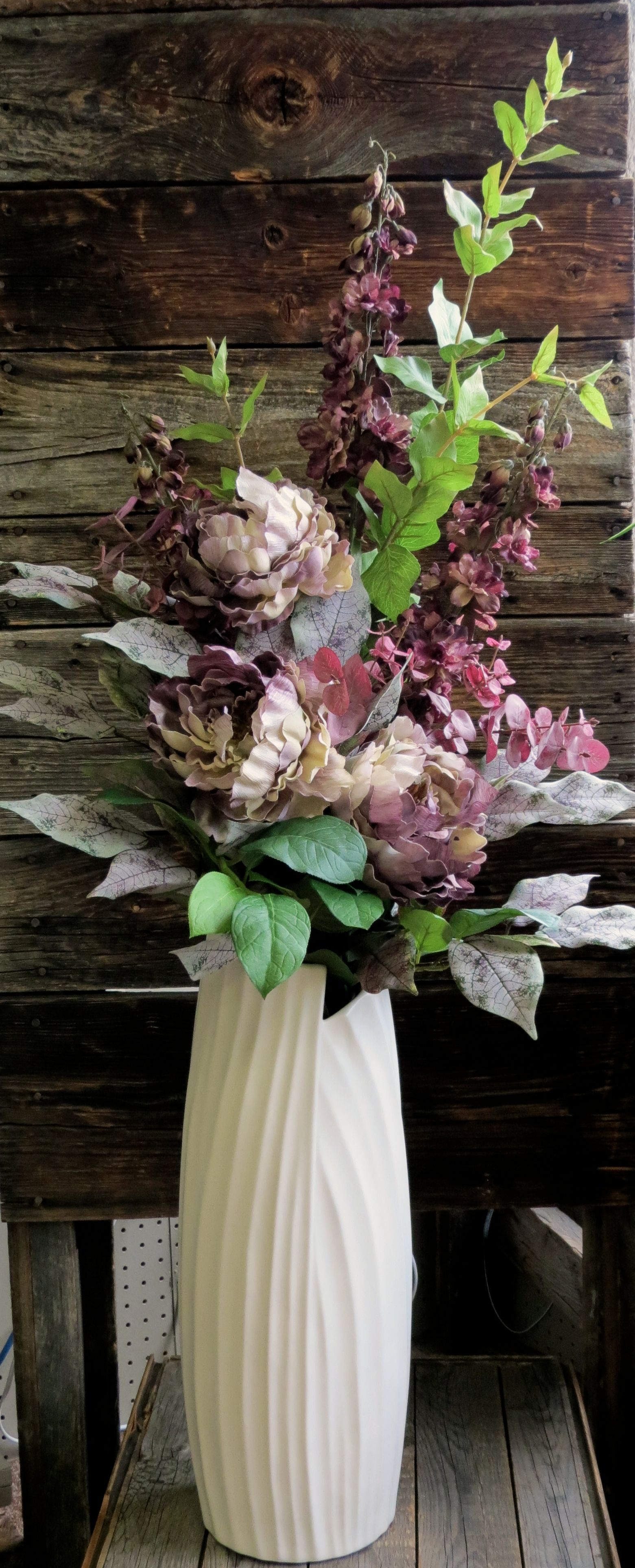 Tall Floor Vase With Romantic Mauve Purple Silk Flowers The Flower Arrangement Is Remo Floor Flower Vases Flower Vase Arrangements Tall Flower Arrangements