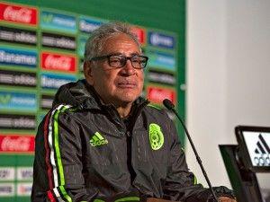 Sin decir la fecha exacta, el director técnico de la Selección Femenil mexicana de futbol, Leonardo Cuéllar, dio a conocer que dejará el cargo y se mostró tranquilo por lo hecho hasta el momento. Señaló además que existen varios candidatos y candidatas a reemplazarlo, una de ellas puede ser Mónica Vergara, quien ha hecho […]