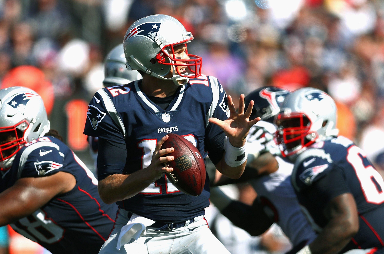 Three Games In Contrasting Patriots Qb Tom Brady S 2017 Numbers With Recent Seasons Pats Pulpitclockmenumore Arrowhorizontal Patriots Qb Patriots Tom Brady