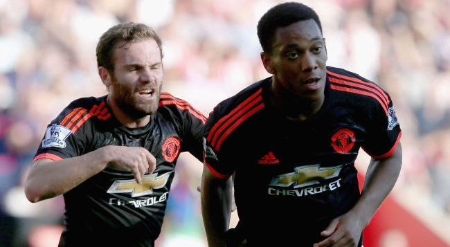 SOUTHAMPTON, ENGLAND - SEPTEMBER 20:  Anthony Martial of Manchester United celebrates scoring their first goal during the Barclays Premier League match between Southampton and Manchester United on September 20, 2015 in Southampton, United Kingdom.  (Photo by Matthew Peters/Man Utd via Getty Images)