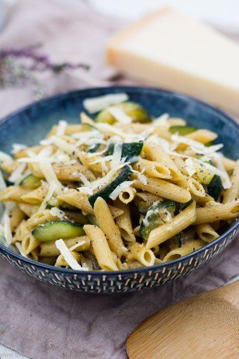 Photo of Simple zucchini parmesan pasta – tulip day. Food blog.