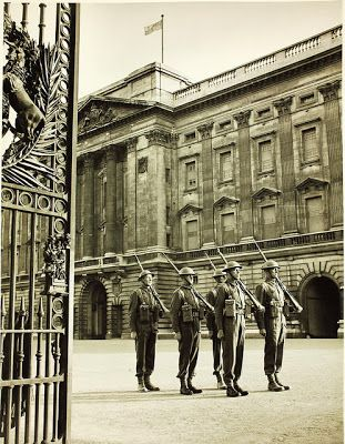 World War II News: Vintage Photos of London during World War