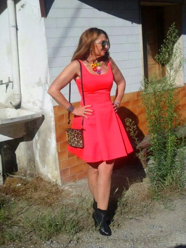 Un vestido para mí: brick-red