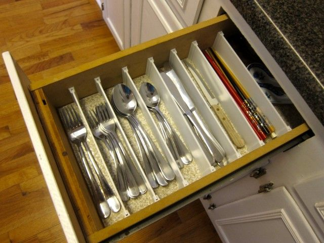 Narrow drawer silverware organizer flatware sorter for for Utensil organizer for small drawers