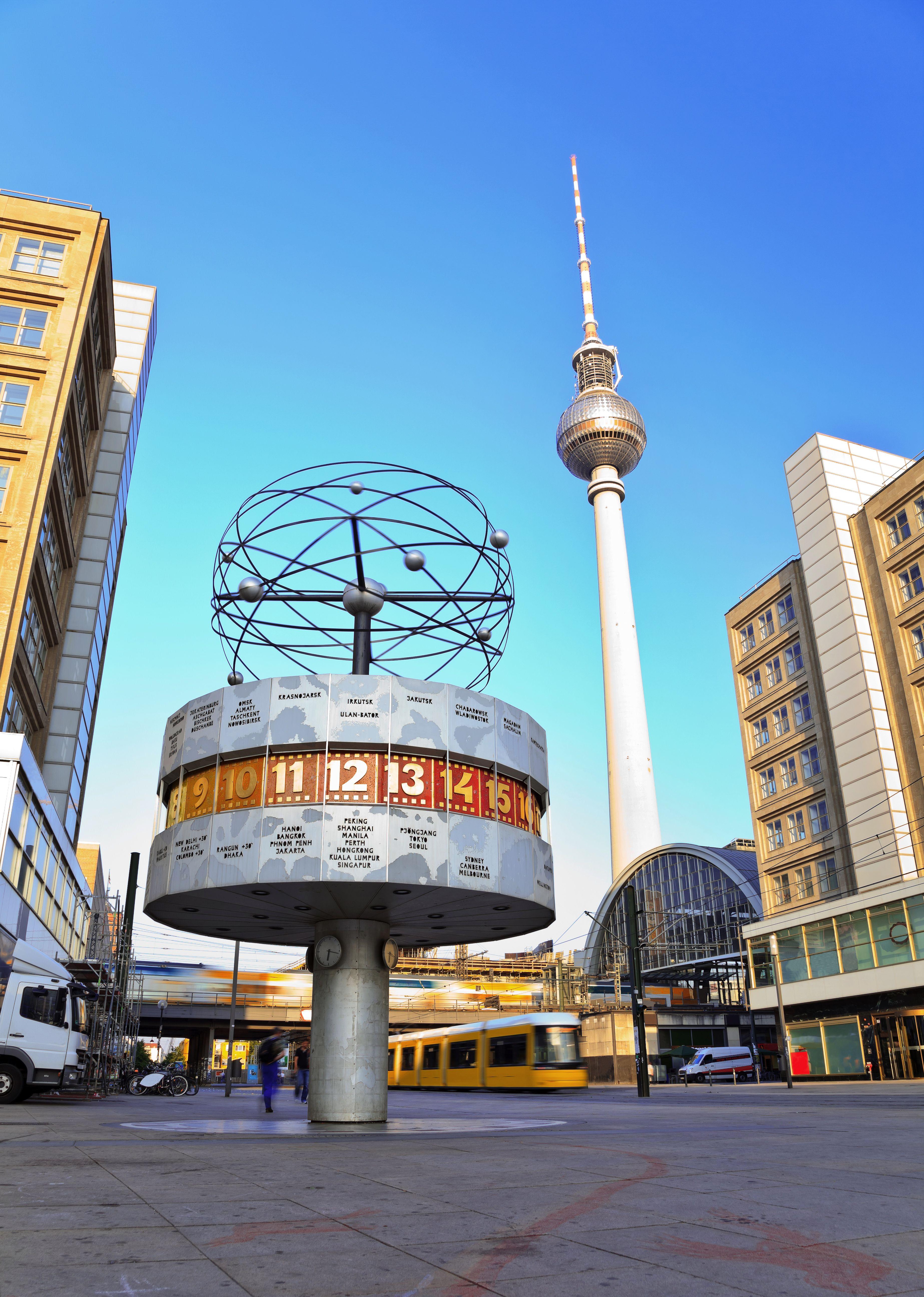 Stadtereisen Berlin Alexanderplatz Stadtereise Berlin Berlin Reisefuhrer Berlin
