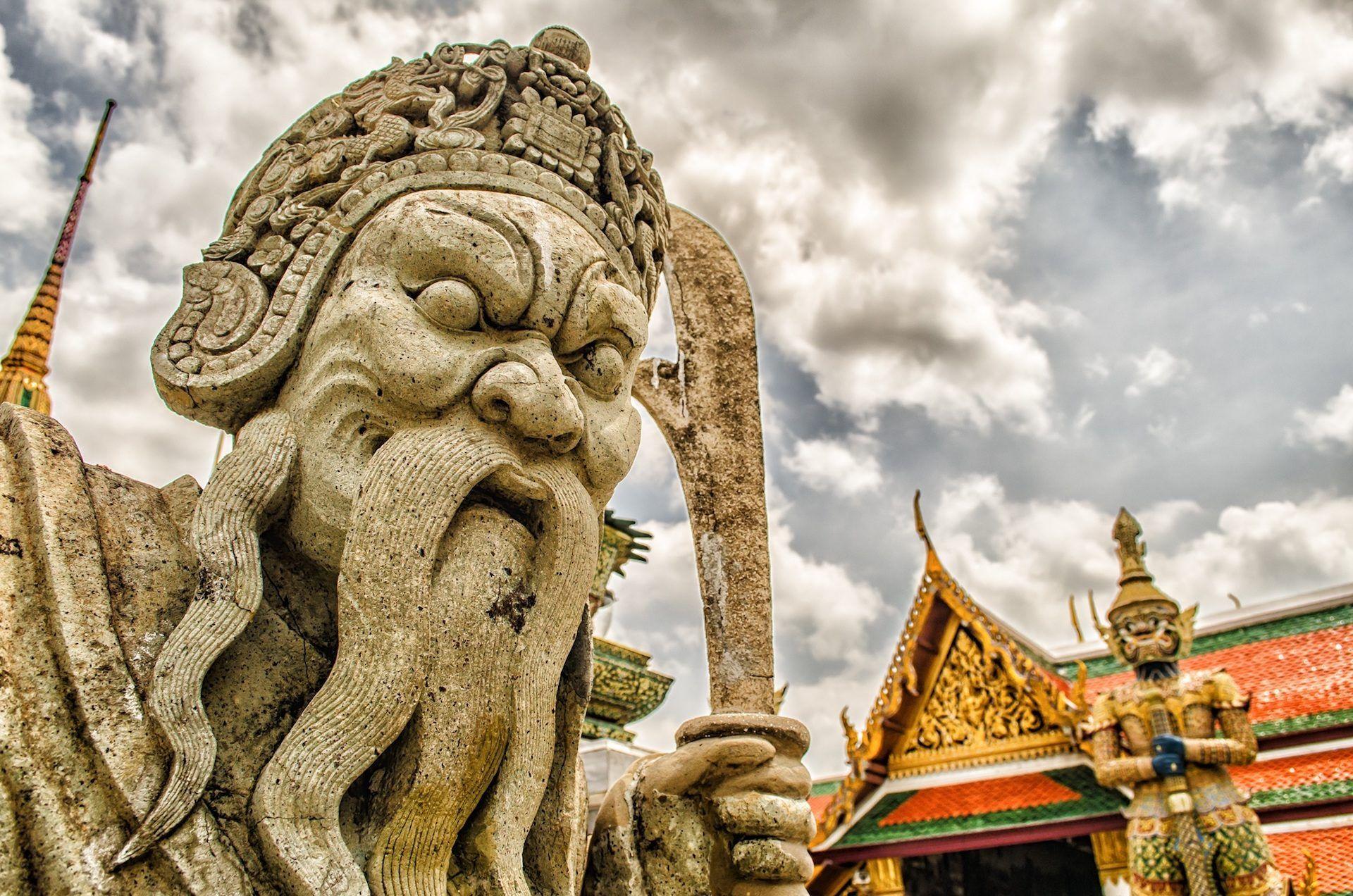 Estatua Gigante Piedra Guerrero China Turismo 1701252217 Estatuas China Turismo Turismo
