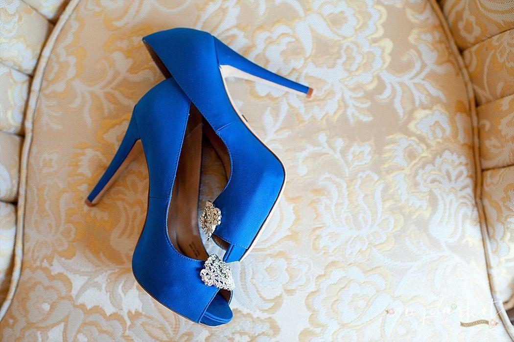 Wedding Shoes, Blue Wedding Shoes, #FoxHillsGolfCourseWedding #FoxHillsWeddings Image by Meg Darket Photography
