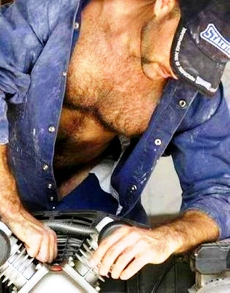image Hairy bear shaving balls and cuming