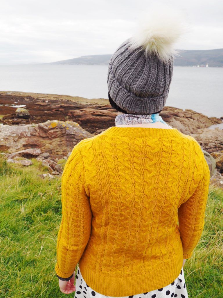 Mustard knitted sweaters for the chilly days