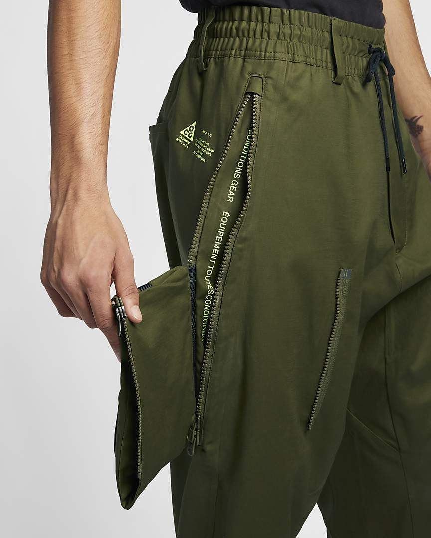 pantaloni larghi nike