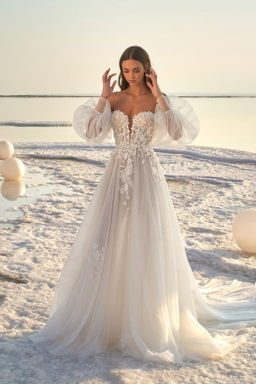 25 Intimate Boho Themed Summer Beach Wedding Ideas Elegantweddinginvites Com Blog In 2020 Lace Beach Wedding Dress Summer Wedding Dress Wedding Dress Guide