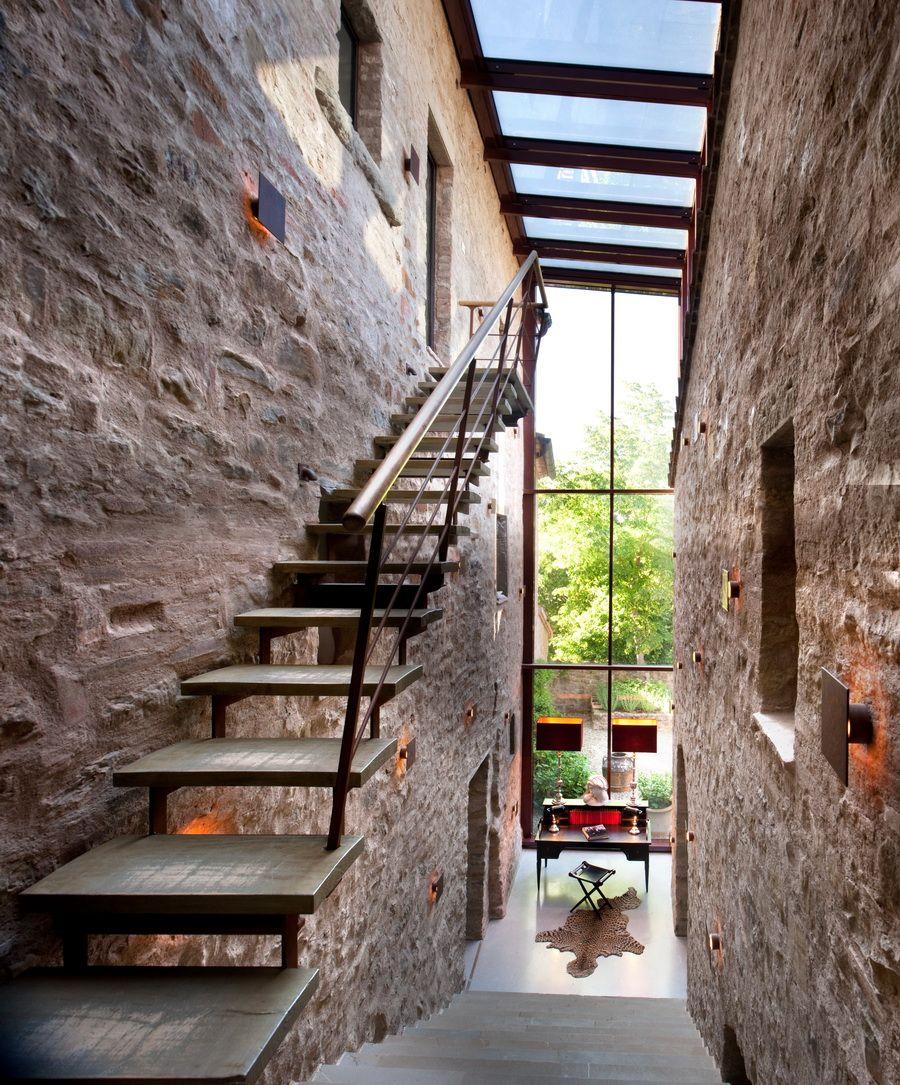 stair design and spaces designed by benedikt bolza, castello di, Wohnzimmer dekoo