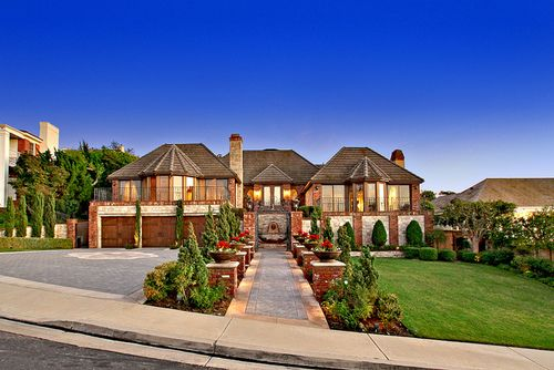 Beautiful California Suburban Home Dream House House Styles