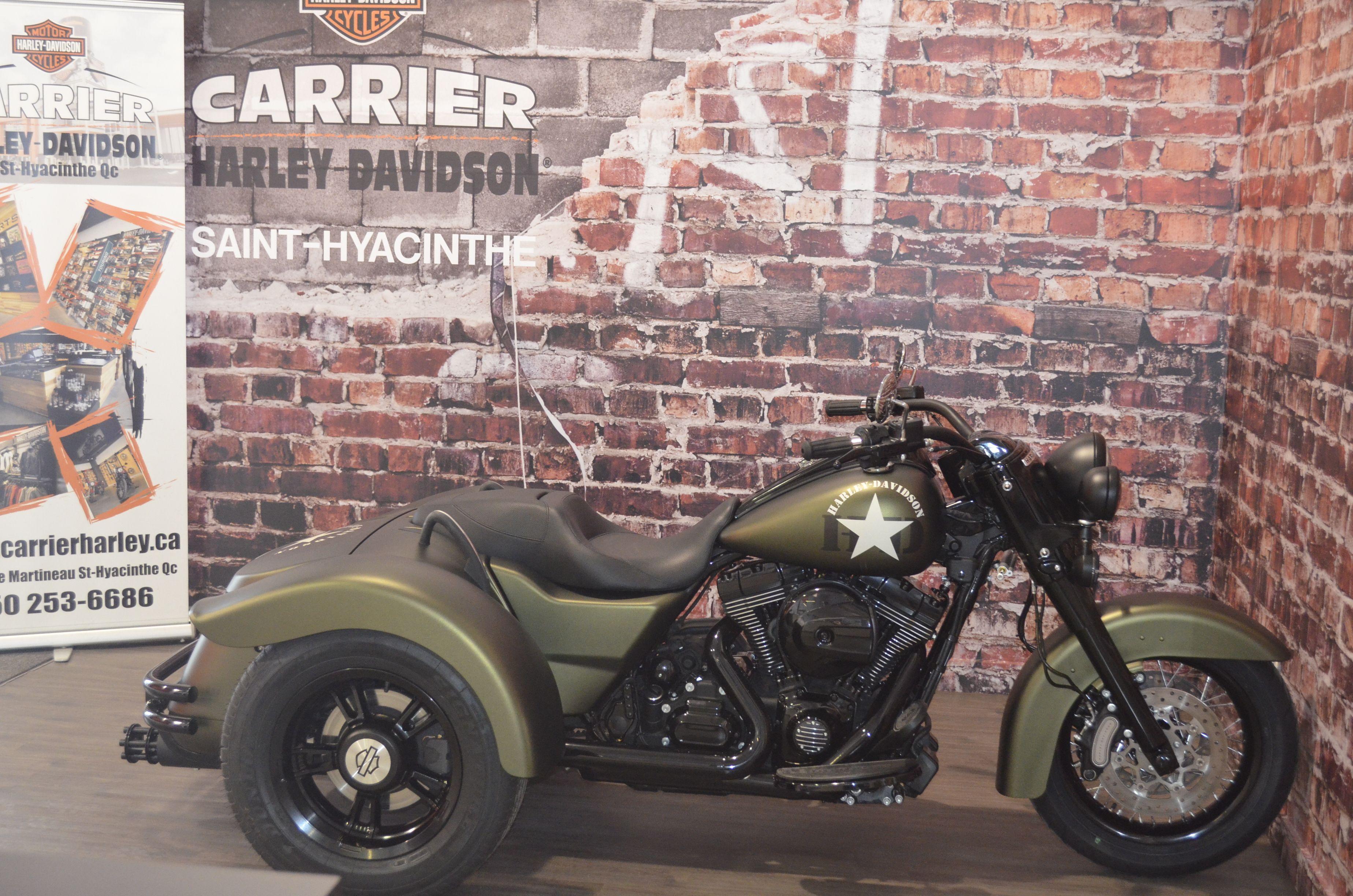 custom harley-davidson freewheeler   freewheeler *** vendu