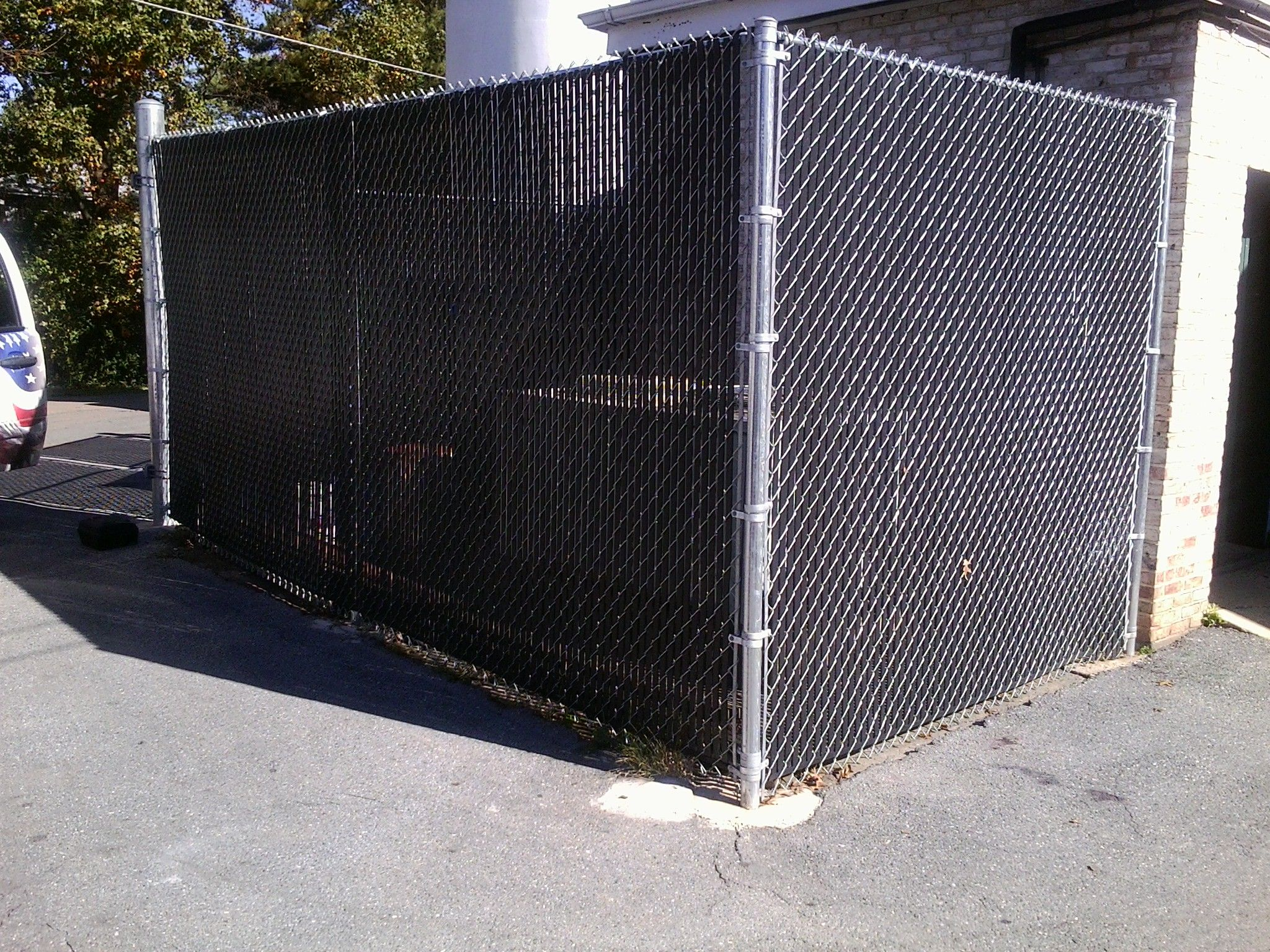 Privacy screen for chain link fence sears - Fence Hide Hvac Units With Black Chain Link Fence With Mesh