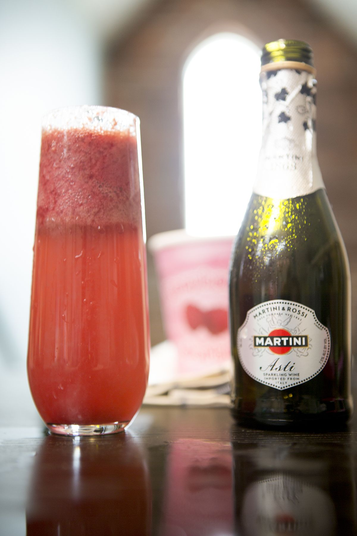 The Perfect Sparkling Dessert To Make The Martini Asti Chillini Top 1 2 Spoonfuls Of Softened Fruit Sorbet With Fruit Sorbet Mexican Drinks Dessert Recipes