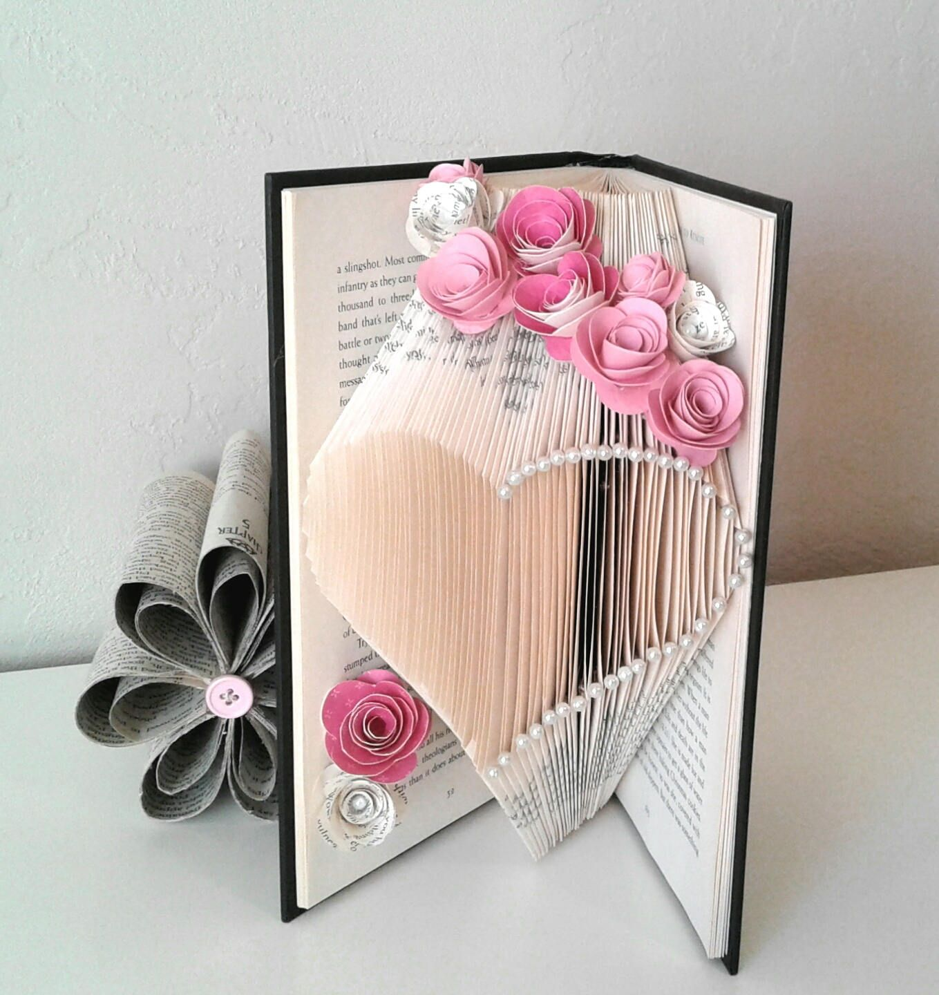 Book sculpturebook artmothers day giftheartbook page flowers book sculpturebook artmothers day giftheartbook page flowerspaper flowersbookfold heartbook page heartgift for herrecycled book art dhlflorist Image collections