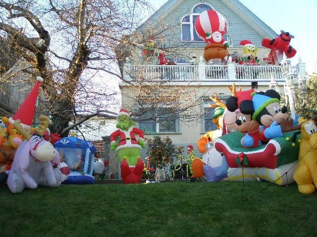 Disney Christmas decorations | Disney Christmas | Pinterest ...