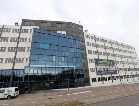 Opzoek naar kantoorruimte in Nieuwegein? Dit kantoorgebouw bevindt zich nabij het centrum van Nieuwegein en is al te huur vanaf 20m2. Plaats geheel vrijblijvend een bieding op de huurprijs of vraag een bezichtiging aan. In beide gevallen heeft u direct contact met de eigenaar!   http://www.huurbieding.nl/huur/kantoorpanden/1-00737/nieuwegein/zoomstede-13-25.html  #kantoorruimte #tehuur #Nieuwegein #centrum #huren #ondernemers #gezocht #mkb #starters #zoomstede #utrecht #nederland #vastgoed
