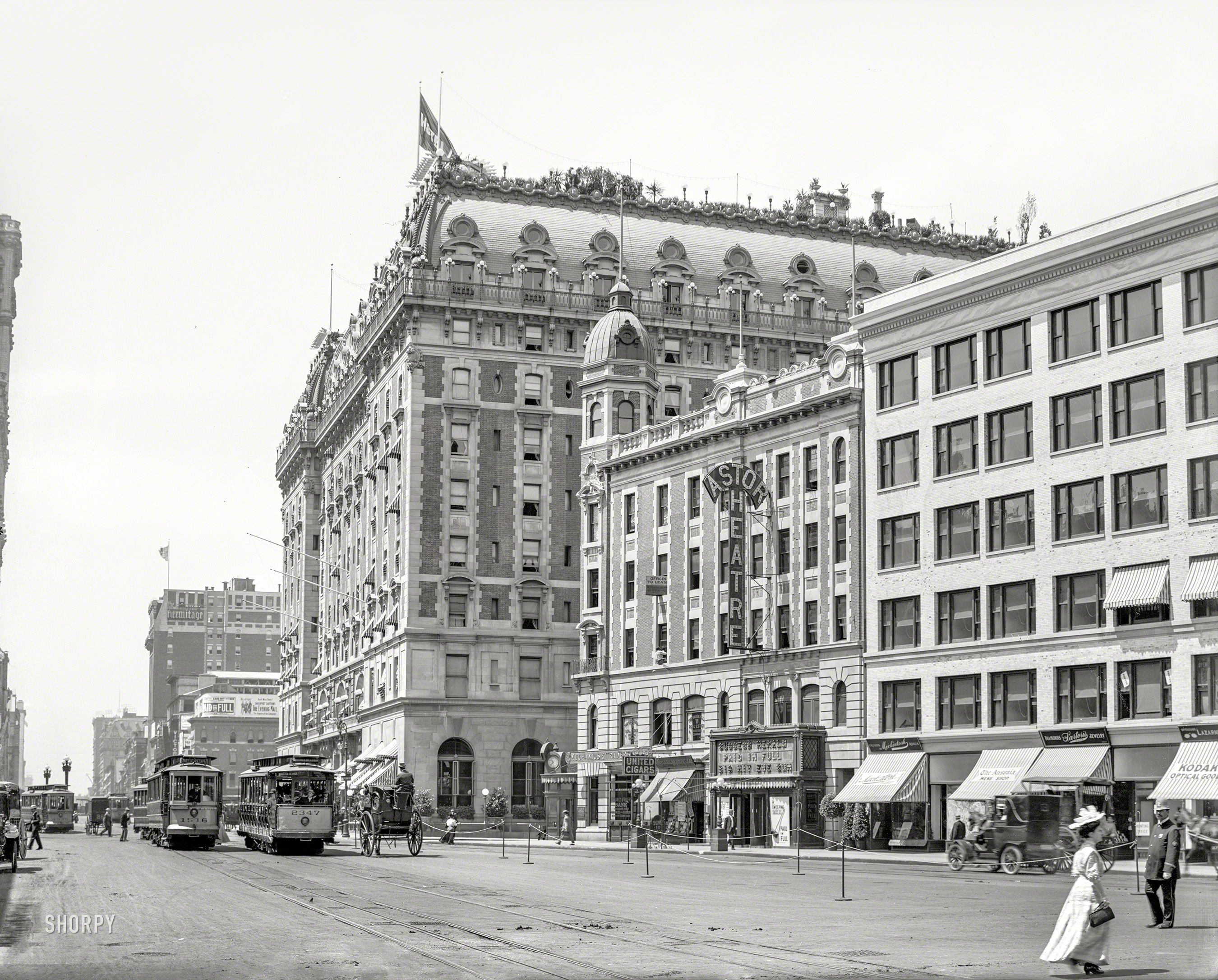 New York Circa 1908 Broadway At Times Square Hotel Astor And