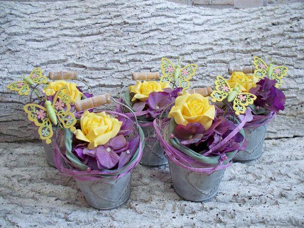 Weiteres - Tischgesteck,5 stück,Zinkeimer,Rosen,lila-gelb - ein Designerstück von die-mit-den-blumen-tanzt bei DaWanda
