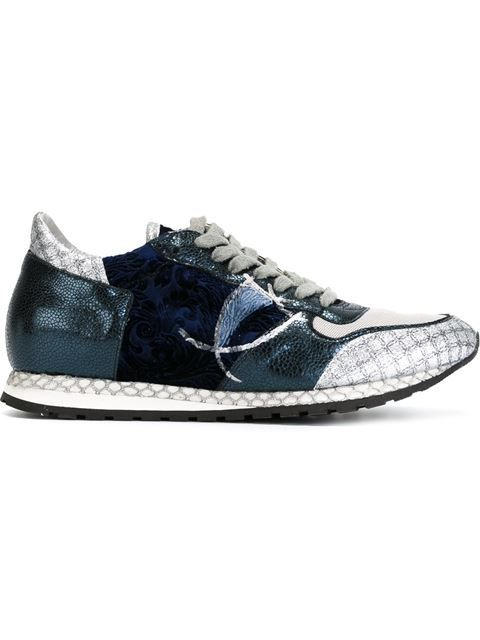 Sneakers, Velvet shoes
