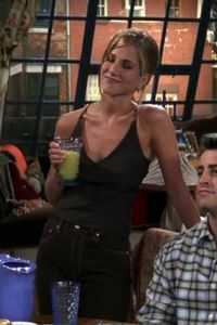Rachel Green's Best 'Friends' Outfits #rachelgreenoutfits