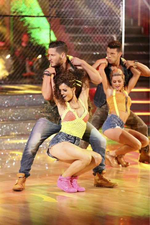 Wk 7 Danica Amp Val Danced Salsa To Watch Out For This Quot By Major Lazer Scored 8 9 8 8 33 Dwts