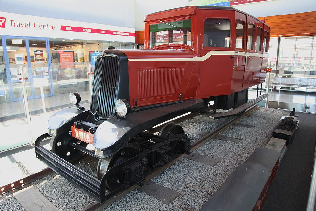 Qr Rail Motor Rm16 Train Car Rail Car Old Trains