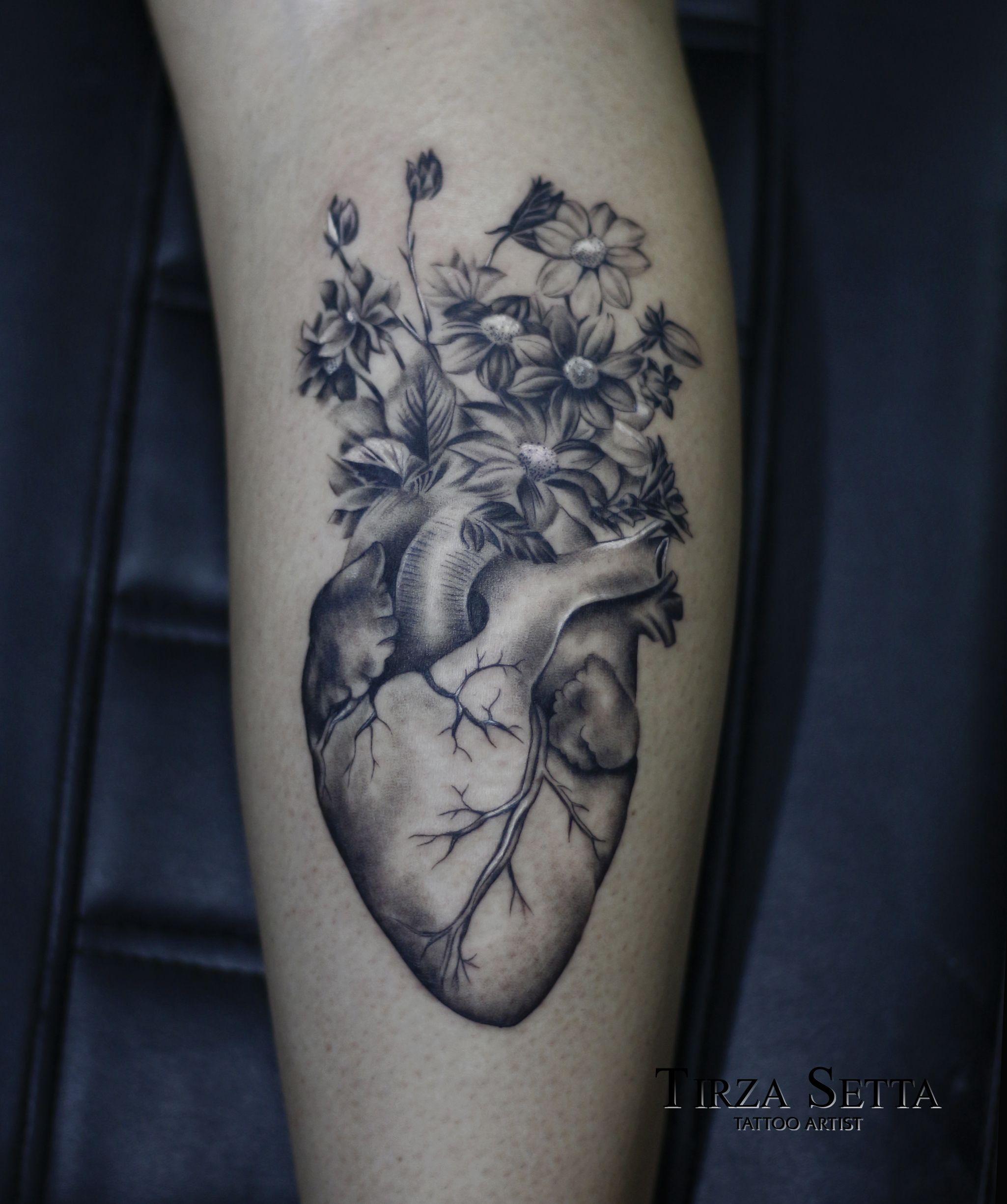 Coracao Com Flores Tattoo Blackandgrey Hearttattoo