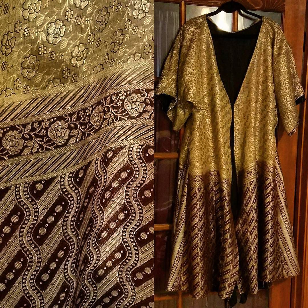 16th century mughal coat constructed from 100 year old sari front 16th century mughal coat constructed from 100 year old sari front view sca sciox Choice Image