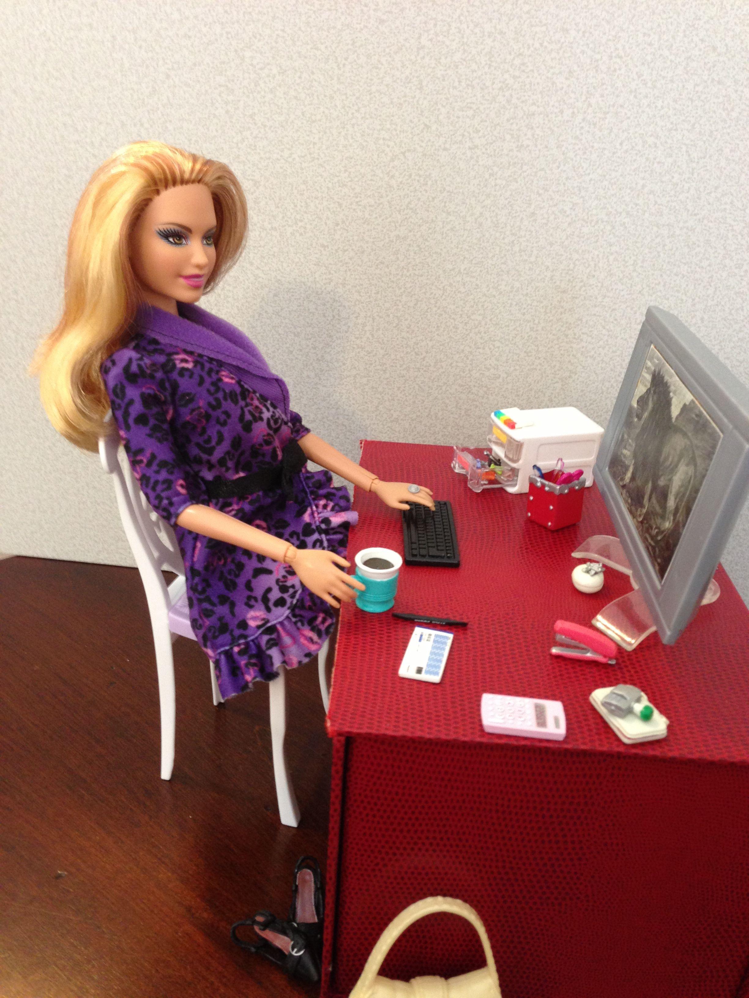 Девушка модель организации работы отделений фотоальбом для фотографий среднего формата