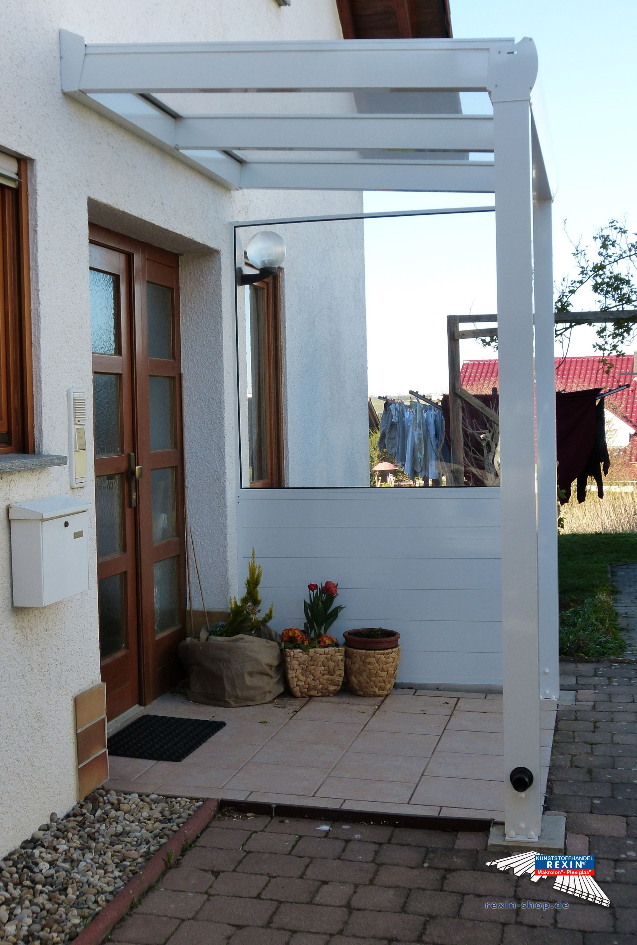 Haustürvordach Mit Seitenteil ein alu haustürvordach der marke rexovita 2m x 1 5m in weiß mit