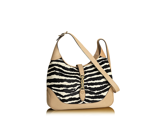 Hmmm blk purse or white purse today, cant decide guess I will go zebra...