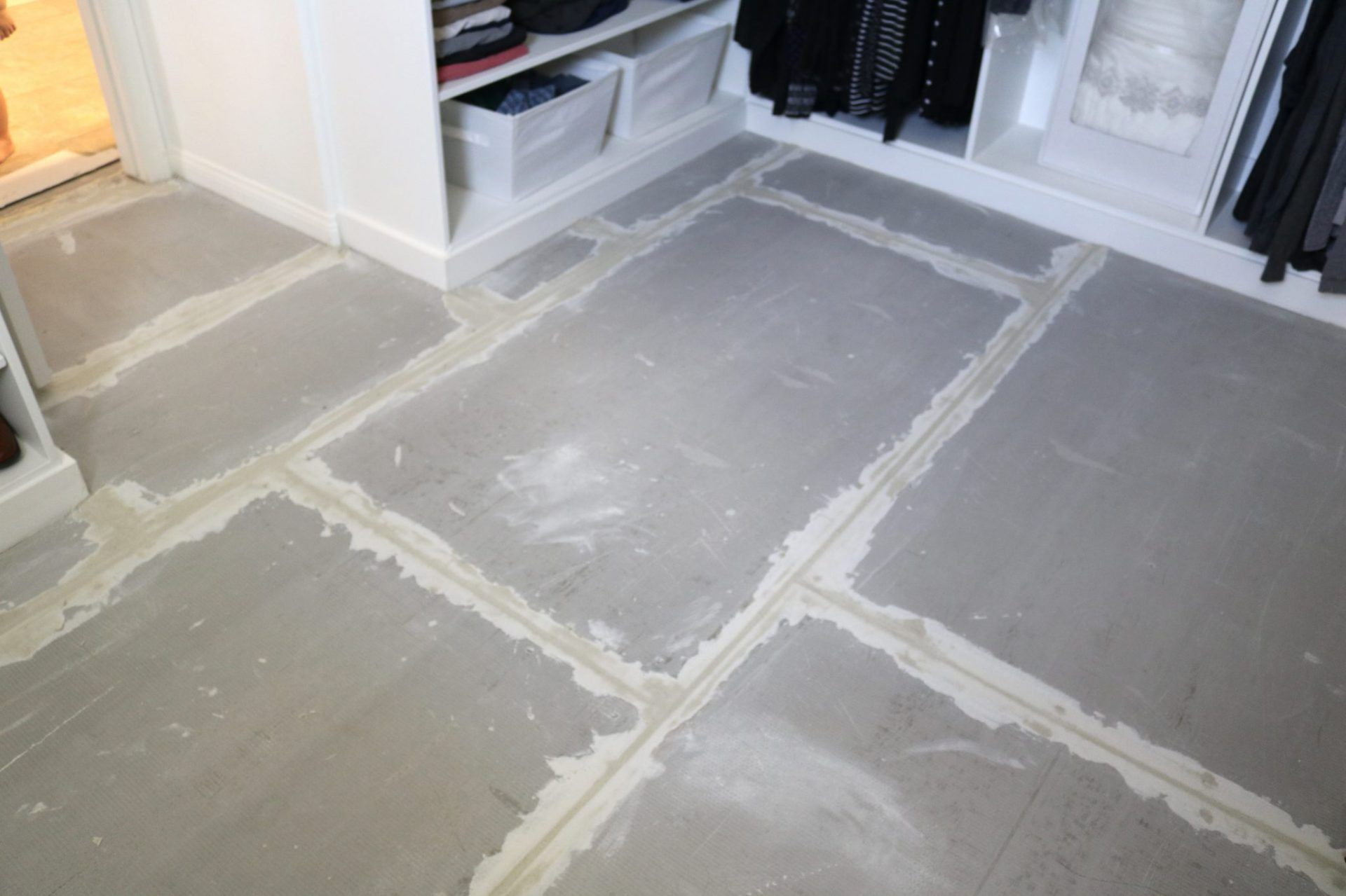 How To Prep And Tile Your Bathroom Floors Using Either Small Scale