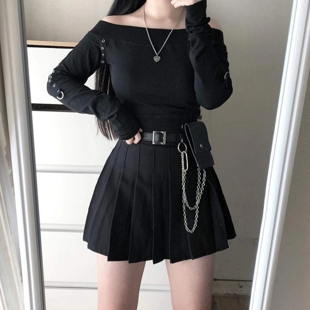 Women S Gothic Chains Design Mini Pleated Skirts With Detachable Belt And Waist Bag Punk Design In 2020 Cute Skirt Outfits Fashion Inspo Outfits Edgy Outfits