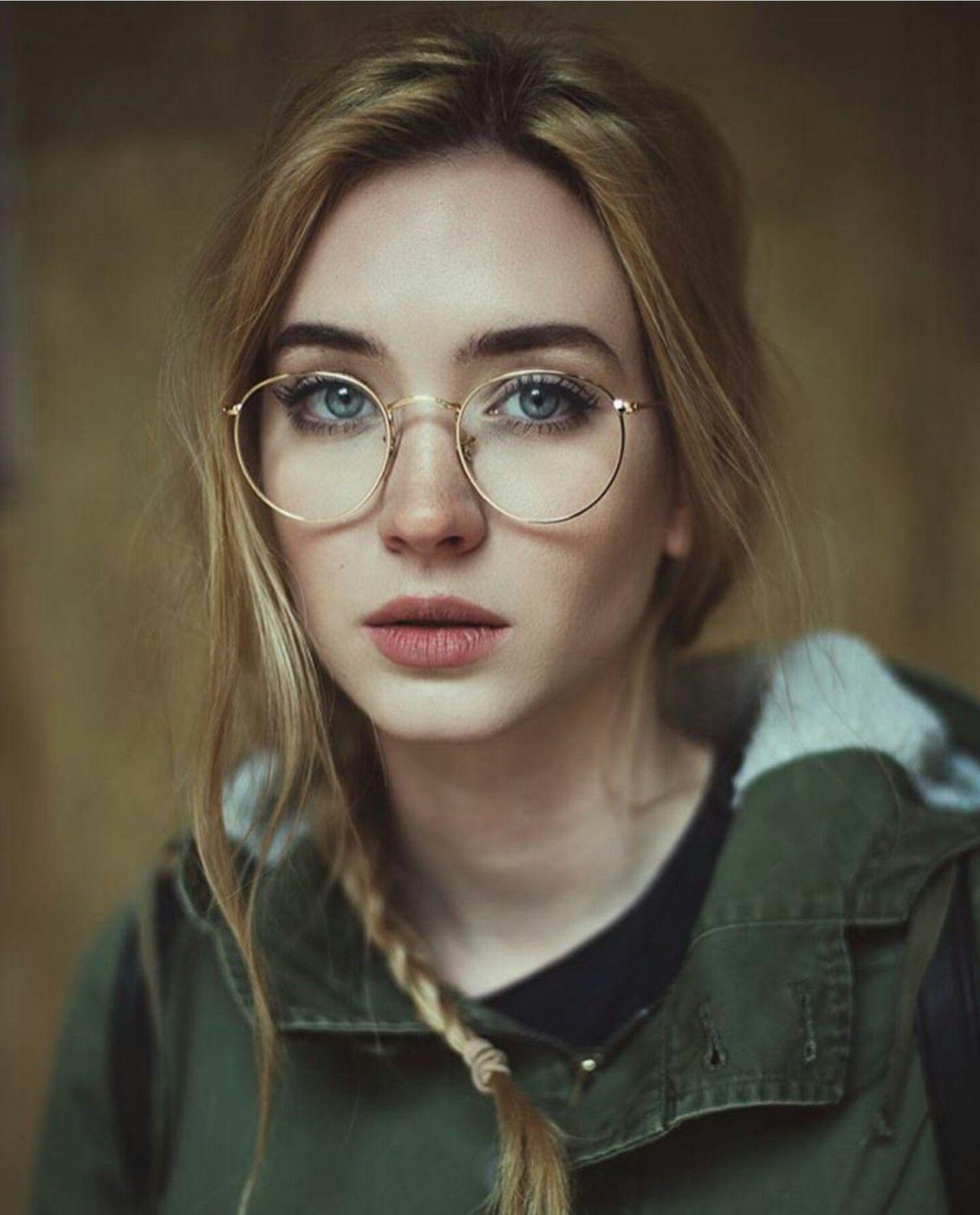 Carolina Porqueddu In Rayban Round Metal Eyeglasses Girls With Glasses Character Inspiration Portrait Photography